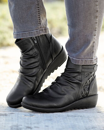 Flexisole Cut-out Detail Boots