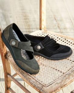 Lightweight Comfort Cross Over Strap Shoes