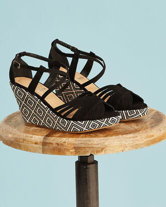 Patterned Wedge Sandals